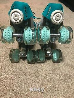 Sure grip fame size 6 women 8-8.5 NIB worn once moxi gummy wheels