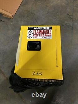 Justrite Sure-grip Ex Modèle 890400 4 Gal. Capacité Armoire De Stockage Inflammable Nib