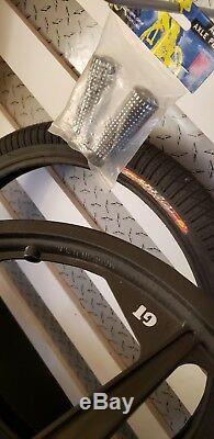 Nos Gt Bmx Freestyle Tomahawk Mags / Dyno D Tires Gt Sure Grip Piquets