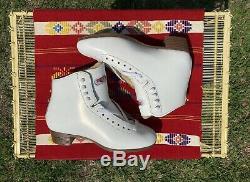 Sure Grip 93 Femmes Taille 7 Blanc Cuir Artistique Skate Boot